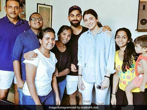 Anushka, Virat Join Lankan Fans For A Photo, Shastri Spotted