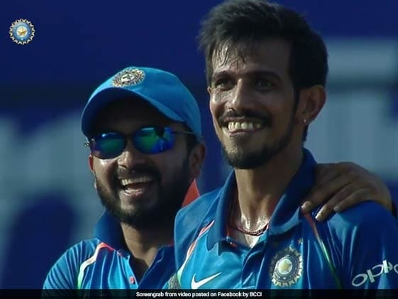 Chahal Tricks Maxwell Again, Indian Players Can't Stop Laughing