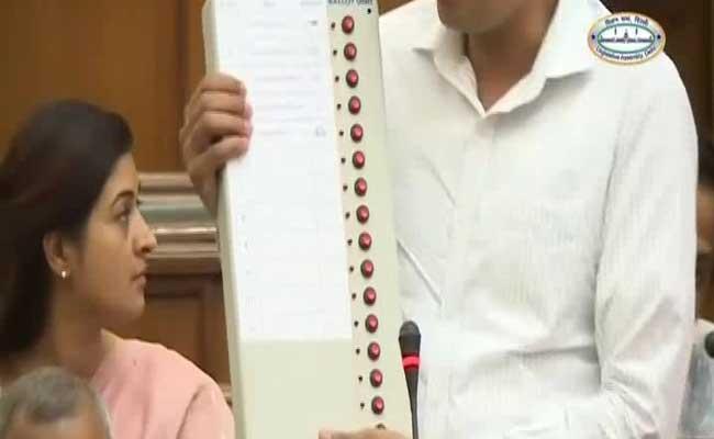 Team Kejriwal Says Live Demo Succeeds In Gaming Vote Machine (EVMs)