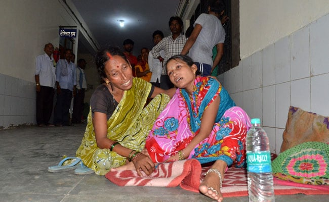 गोरखपुर अस्पताल में 30 मासूमों की मौत का मामला : दो चिट्ठियां, दो खुलासे...