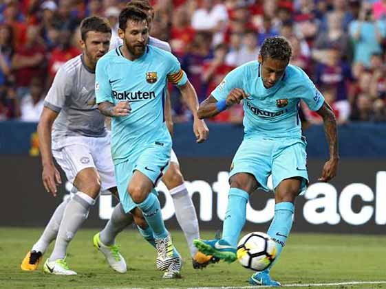 Neymar Scores As Barcelona Beat Manchester United